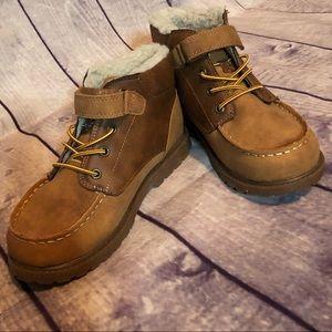 🍂 Osh Kosh fur-lined booties 🍂
